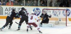 Shark Defends Goal, Sharks v Coyotes, SJ 12-23-10
